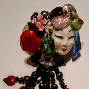 Wendy Gell pop art ring Asian face with dangle